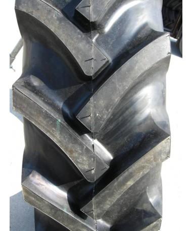 Ozka 13.6-38 KNK 50 131A6 - Doskonała opona przeznaczona na oś napędową ciągników.